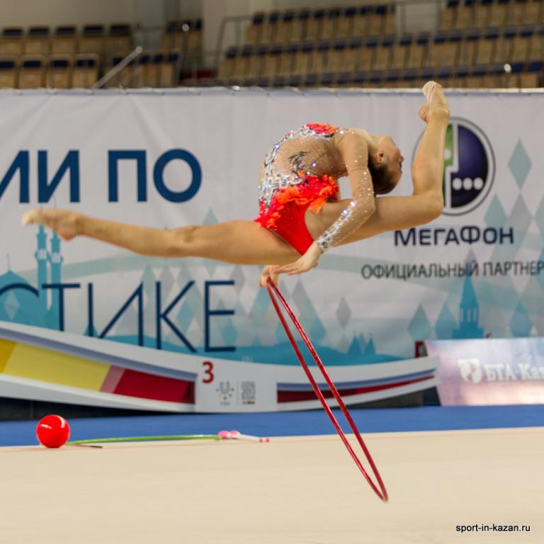 техника ловли мяча в художественной гимнастике