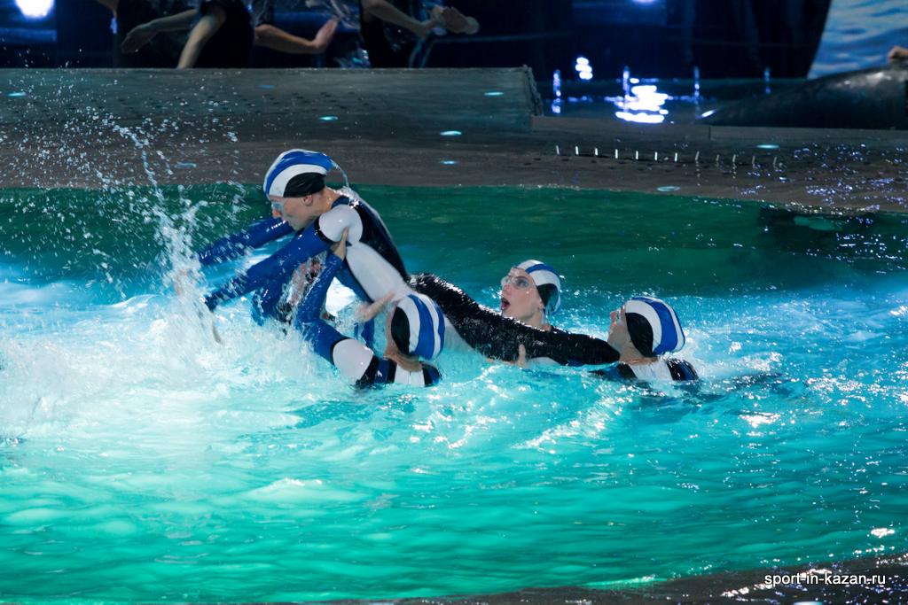 Танец дельфина - синхронное плавание