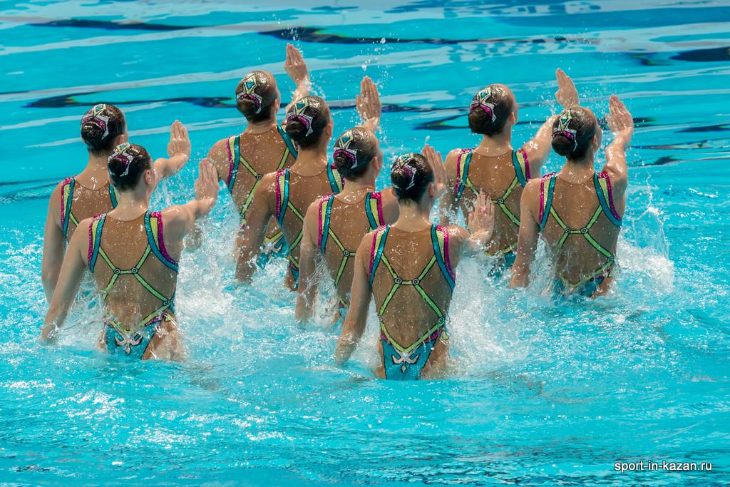 Сборная России по синхронному плаванию перед выступлением на ЧМ-2015